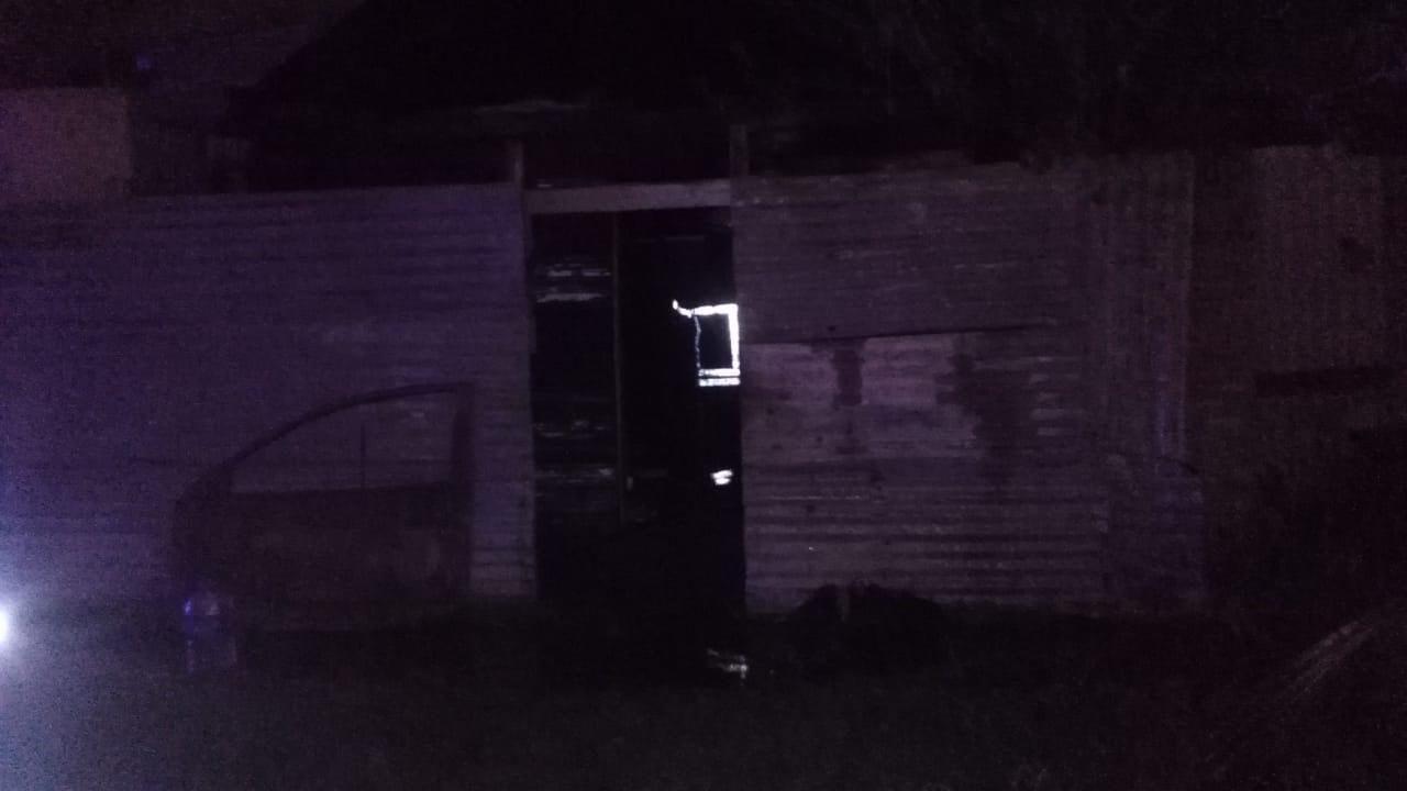 Incendio de dos viviendas durante la madrugada del miércoles