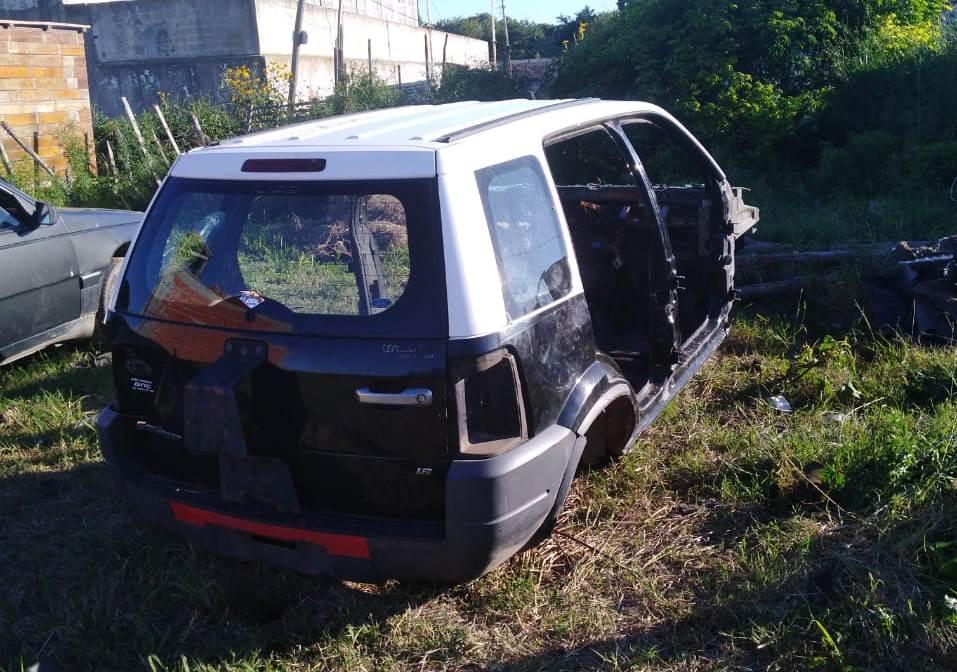 """Personal del Comando Patrulla Berisso y de la Comisaría Tercera procedieron a la aprehensión de un sujeto de 45 años que """"cortaba"""" autos a cambio de dinero."""