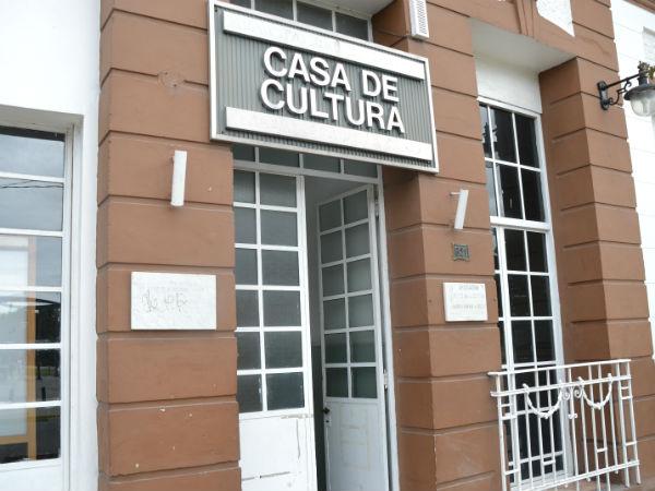 La Dirección de Cultura de la Municipalidad de Berisso presentará una muestra conjunta con artistas locales en homenaje a la mujer.