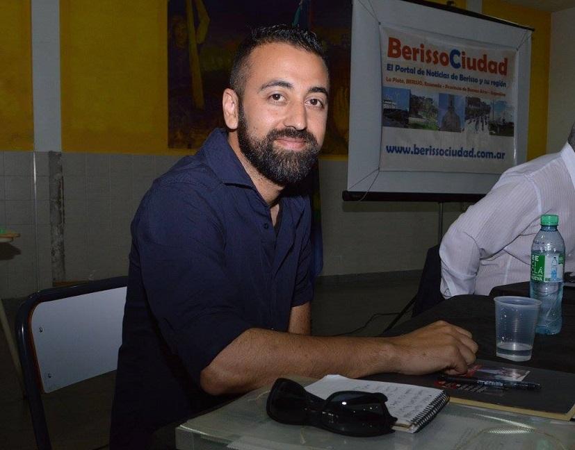 En el marco del debate organizado por BerissoCiudad, el referente del Frente de Izquierda y los Trabajadores, Federico Surila, se refirió a los puntos establecidos como el caso de las obras públicas y la seguridad.