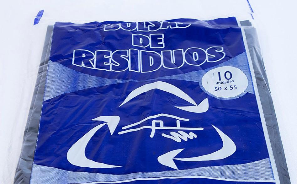 Advierten por falsos empleados municipales que ofrecen bolsas de residuos