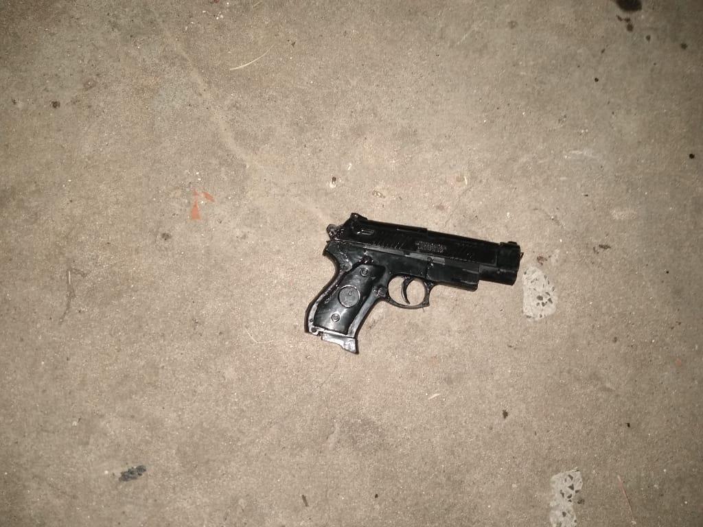 Menor detenido por hurto: Tenía una réplica de arma de fuego