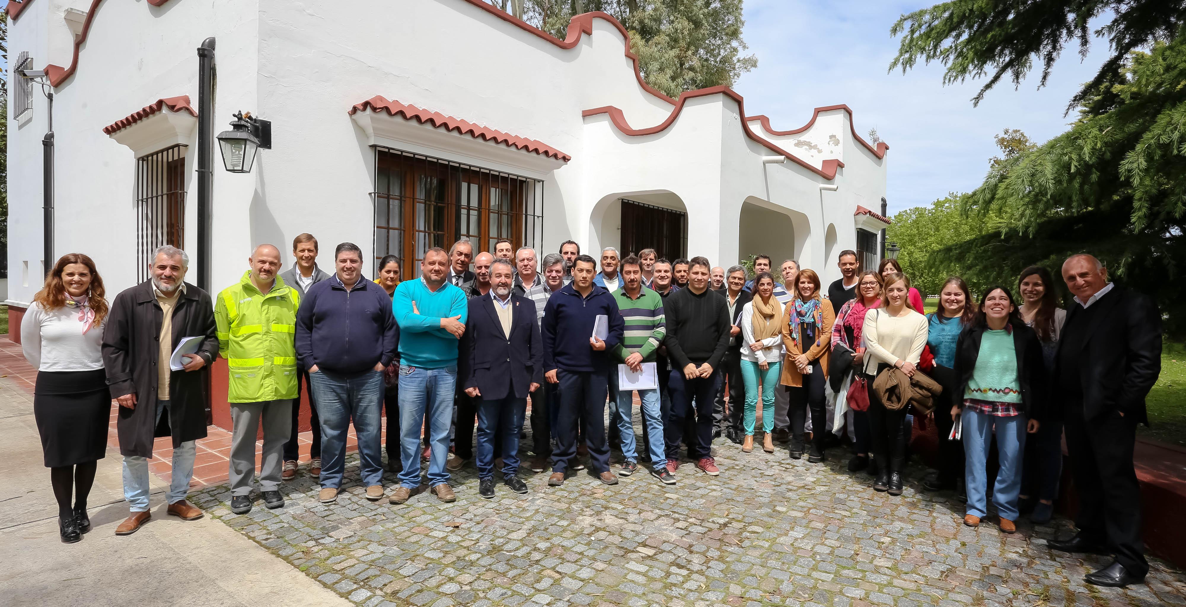 Personal de Defensa Civil, SAME, Bomberos Voluntarios y del Hospital Mario V. Larraín de Berisso participaron el pasado viernes de la presentación del protocolo de Salud del Plan de Respuesta ante Emergencias con Impacto en la Comunidad (PREIC).