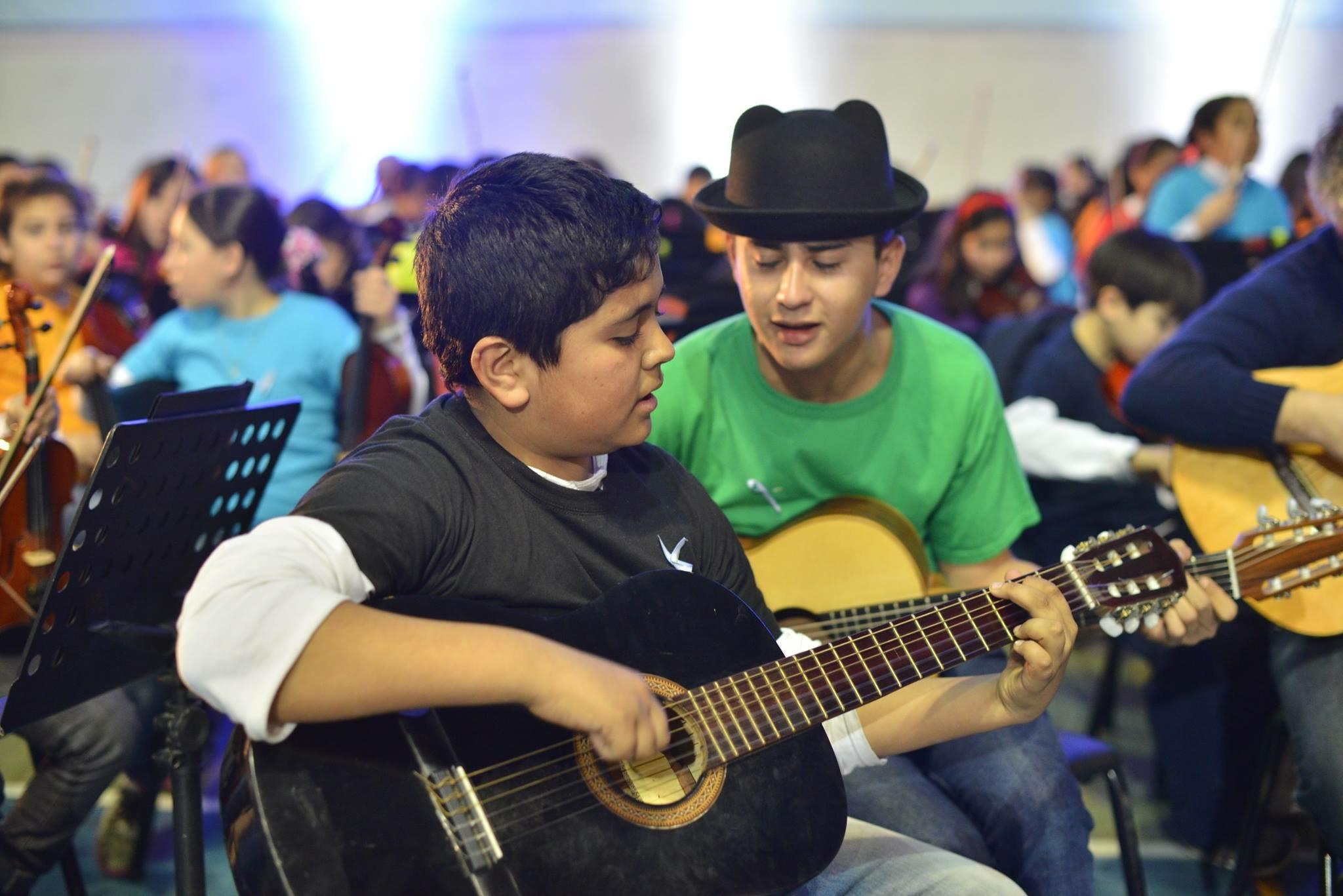 La Orquesta Escuela de la ciudad de Berisso cumple 13 años y lo celebra este fin de semana a toda música con distintas actividades.