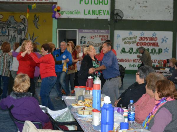La Secretaría de Promoción Social, a través del Consejo Municipal de la Tercera Edad, informó que este sábado 22 de septiembre se realizará el festejo en el marco del Día del Jubilado destinado a toda la comunidad de adultos mayores de la ciudad.