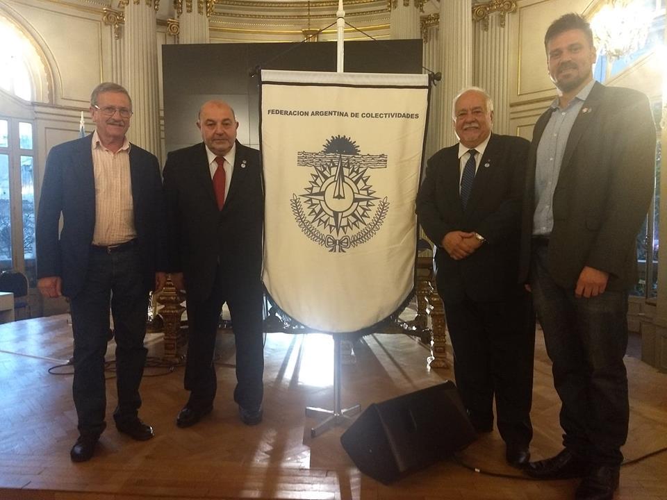 """Este jueves 6 de diciembre se llevó a cabo en el Salón """"Dorado"""" de la Legislatura de la Ciudad Autónoma de Buenos Aires la celebración del 42° Aniversario de la Federación Argentina de Colectividades (FAC) con un acto formal, en el que se presentó formalmente la nueva ley electoral Nº 6301."""
