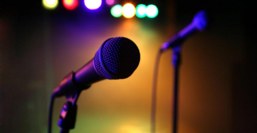 El próximo viernes 24 de mayo, a las 21.30 horas, Jaco Bar abrirá sus puertas para llevar a cabo un concurso de canto, cuyo ganador recibirá un premio de mil pesos.