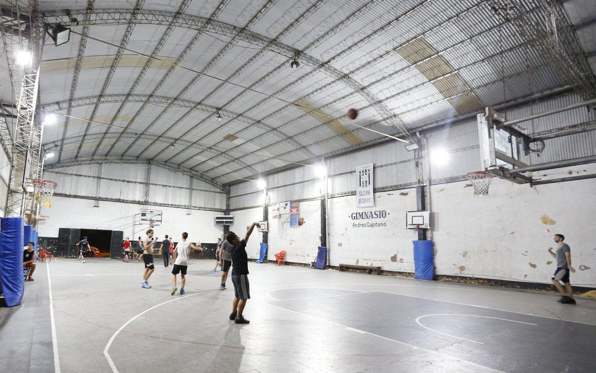 El Club Unidos del Dique, sito en calle 48 bis y 128 de Ensenada alberga diversas actividades deportivas, culturales y sociales, durante todo el año.