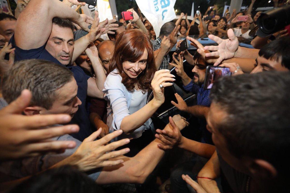 La compañera Cristina Fernández de Kirchner, ex funcionarios y adeptos a su gestión son víctimas de una persecución política por parte del Gobierno Nacional mediante  el uso obsceno e inconstitucional del Poder Judicial.