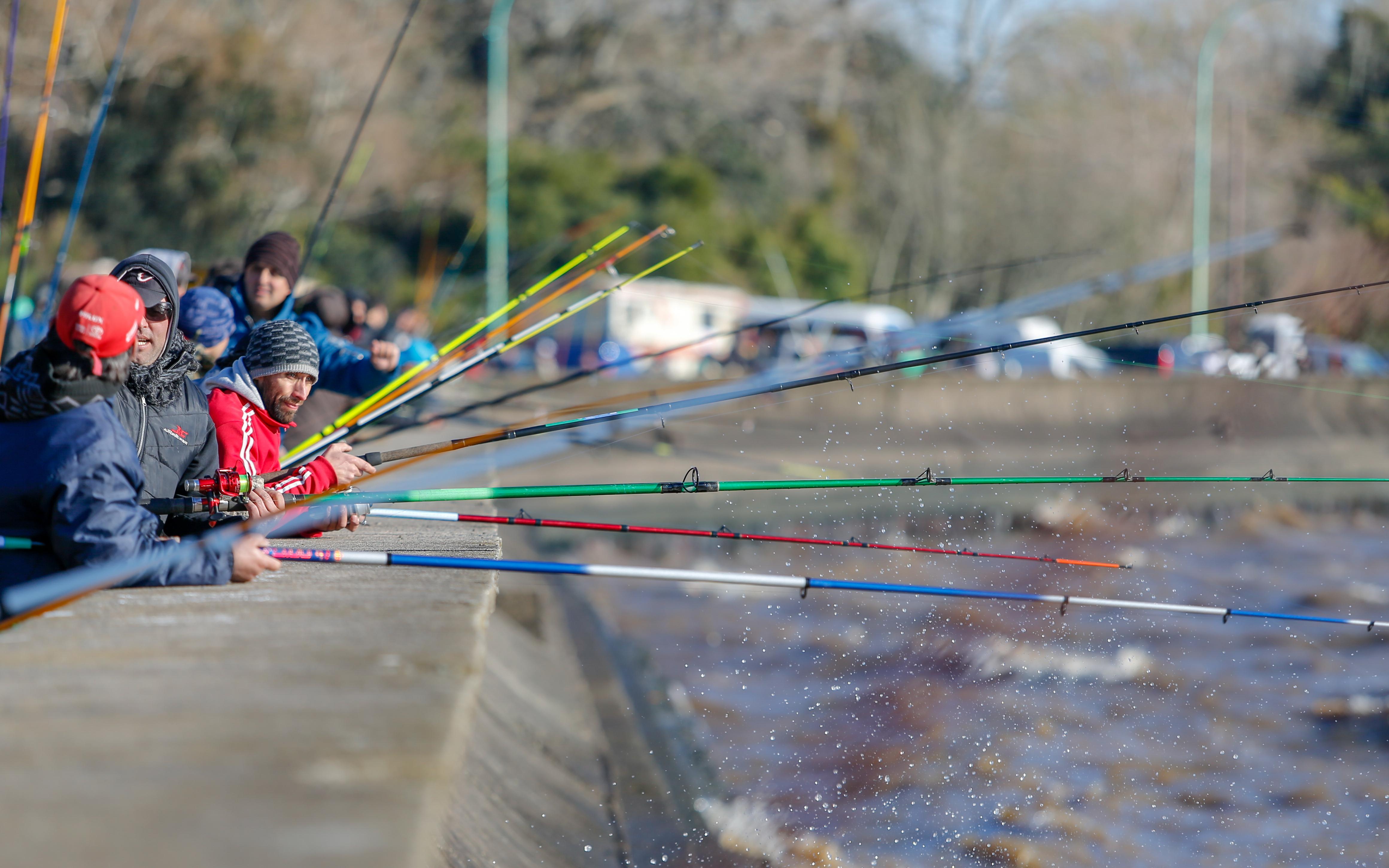 """Se llevó a cabo una nueva edición de la competencia más importante de pesca de la región. Por sexto año consecutivo el Municipio de Ensenada organizó el concurso de pesca de pejerrey desde murallón """"Jorge Scenna""""."""