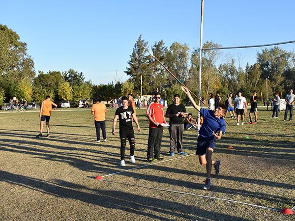 La Escuela Municipal de Atletismo informó que el sábado 27 de abril, a partir de las 9.30 horas, se llevará a cabo el Torneo de Atletismo