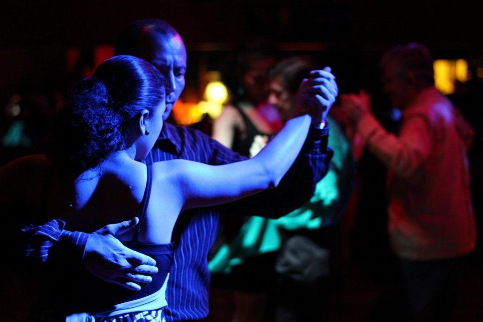 """""""Milonga Montevideo y 11"""": Música y baile para compartir en familia"""