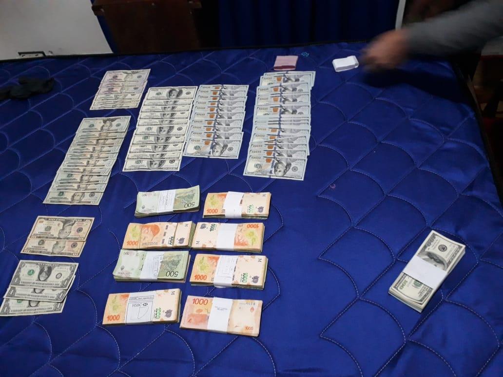 Exitosos allanamientos: Incautan armas y dólares