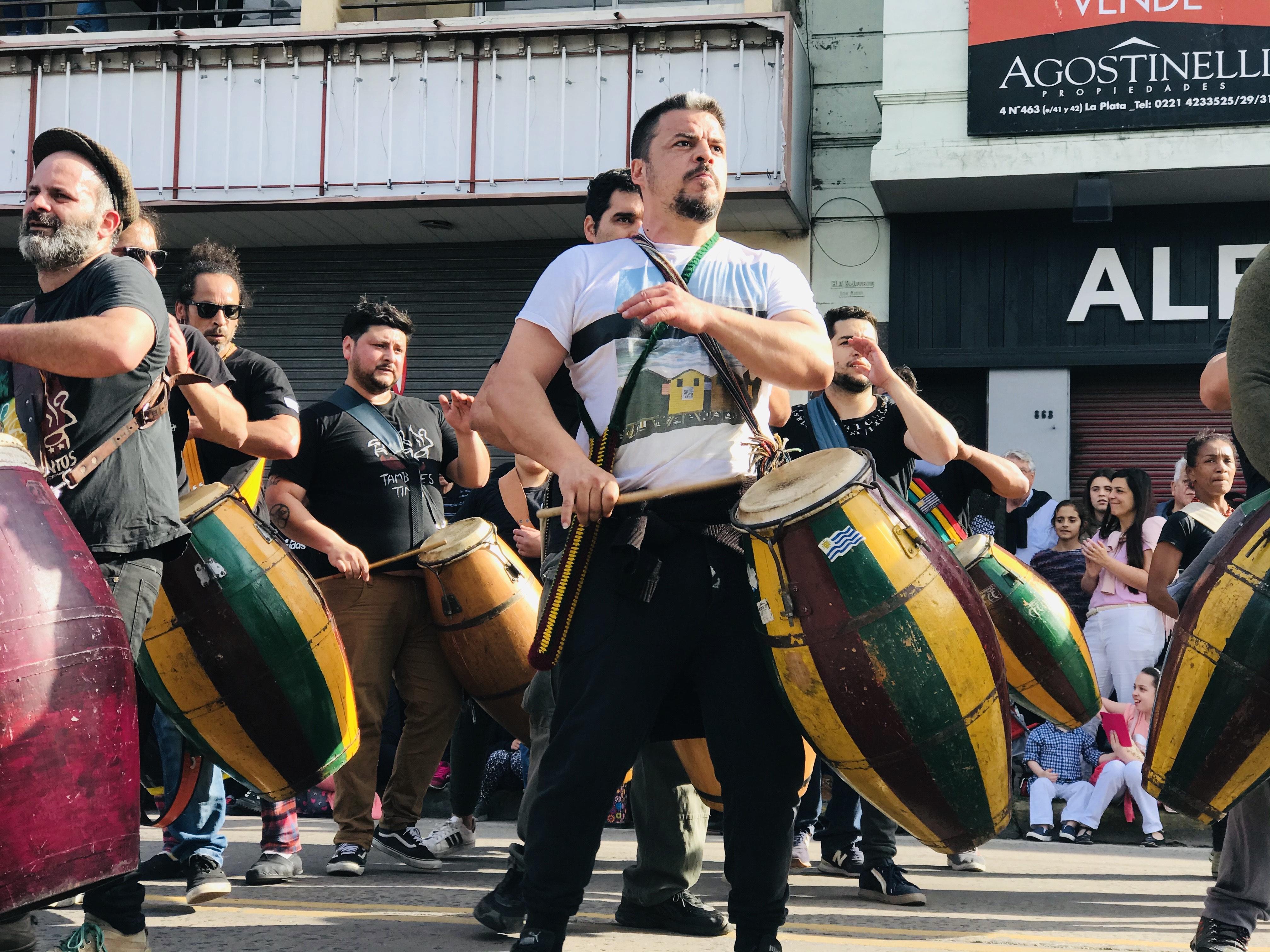 Se realizó el tradicional Desfile del Inmigrante para coronar la Fiesta Provincial