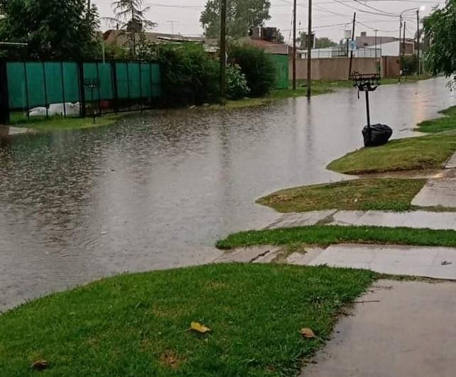 Fuerte temporal, alerta y calles ya inundadas: ¿Cómo está tu barrio?