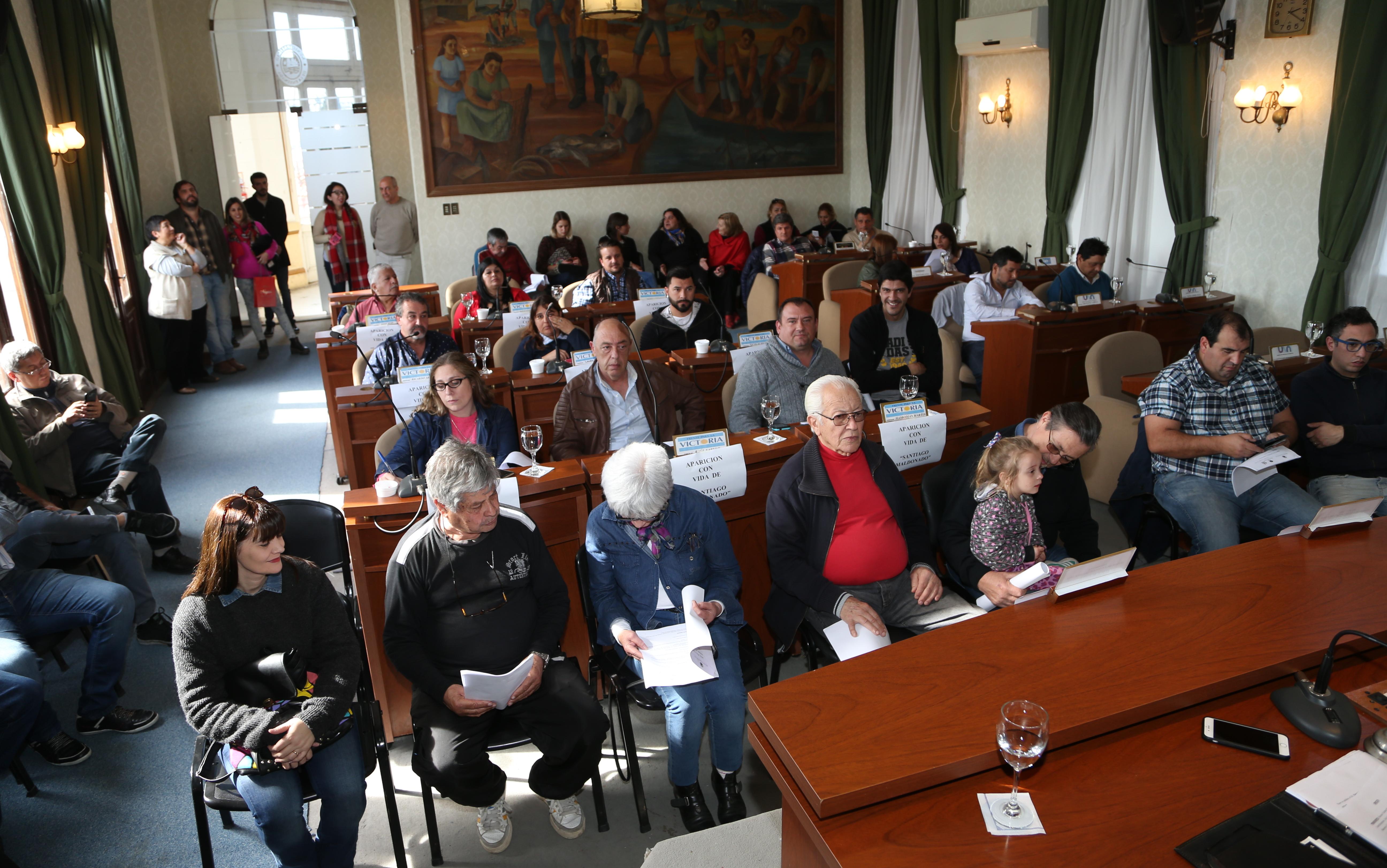 Por unanimidad, el Concejo Deliberante aprobó las tasas municipales para el Cementerio. De esta manera avanzan los pasos para la puesta en marcha de la obra tan esperada por los ensenadenses.