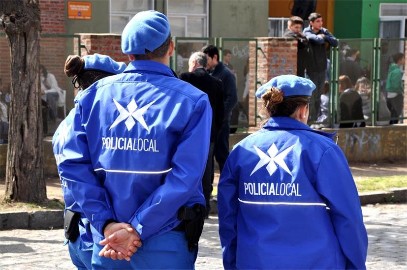 Distintos integrantes de la Policía Local de nuestra ciudad han manifestado su preocupación, ya que no ha sido reconocido su trabajo el último domingo durante el desarrollo de las elecciones primarias.