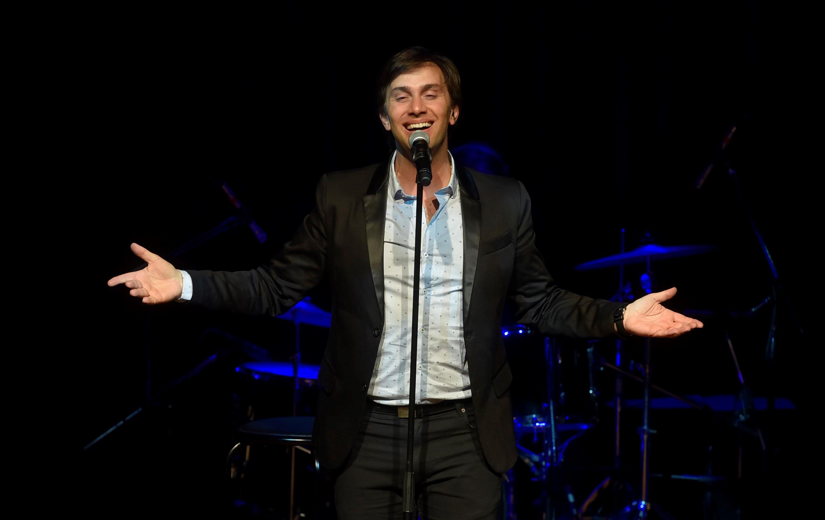 El cantante berissense Odino Faccia es la voz elegida para cantar en la XVII Cumbre por la Paz, en México.