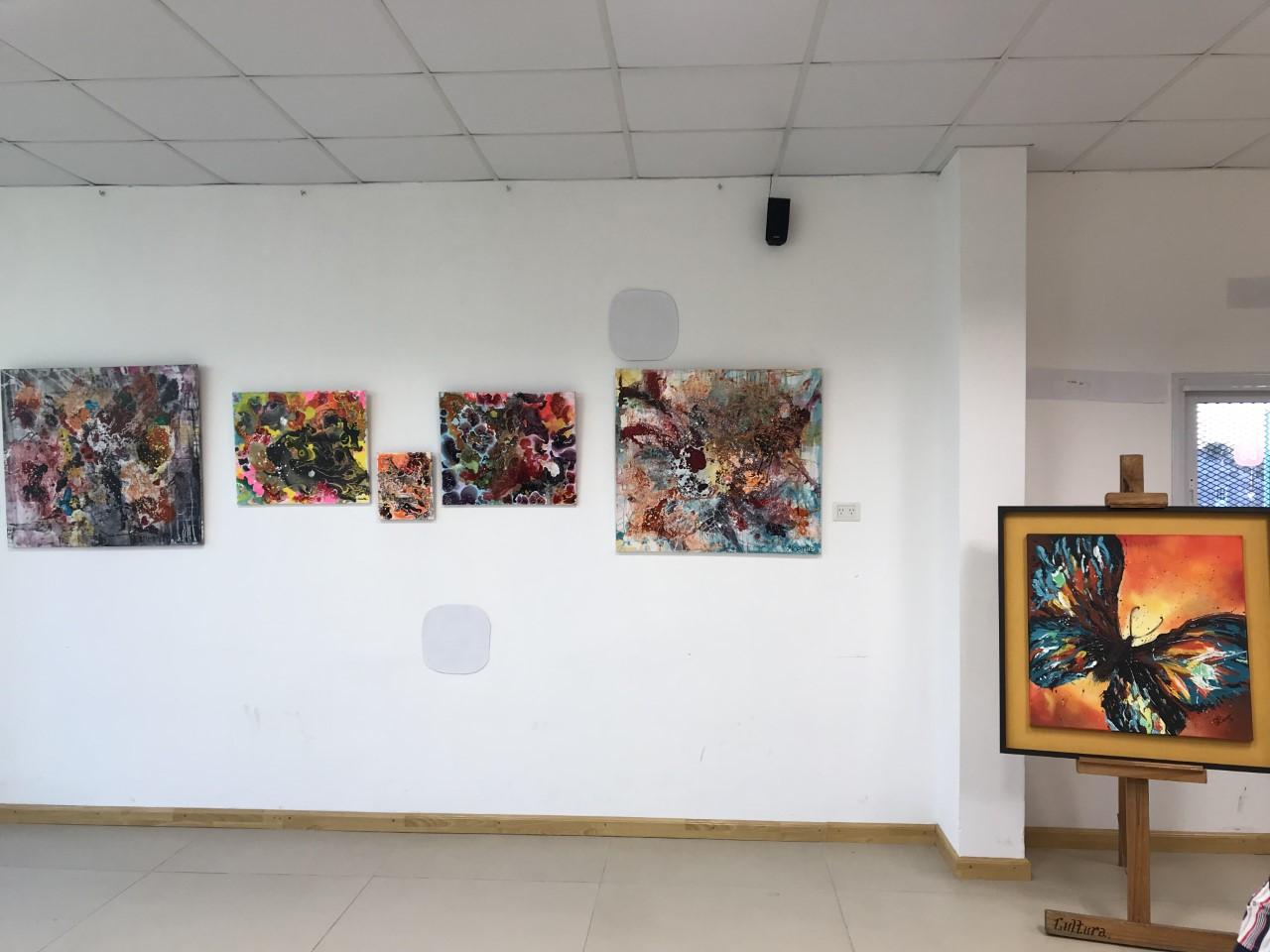 Este viernes 13 de septiembre se llevó a cabo la segunda muestra cultural en las instalaciones del Centro Cultural Papa Francisco ubicado en el barrio El Carmen de la ciudad de Berisso.