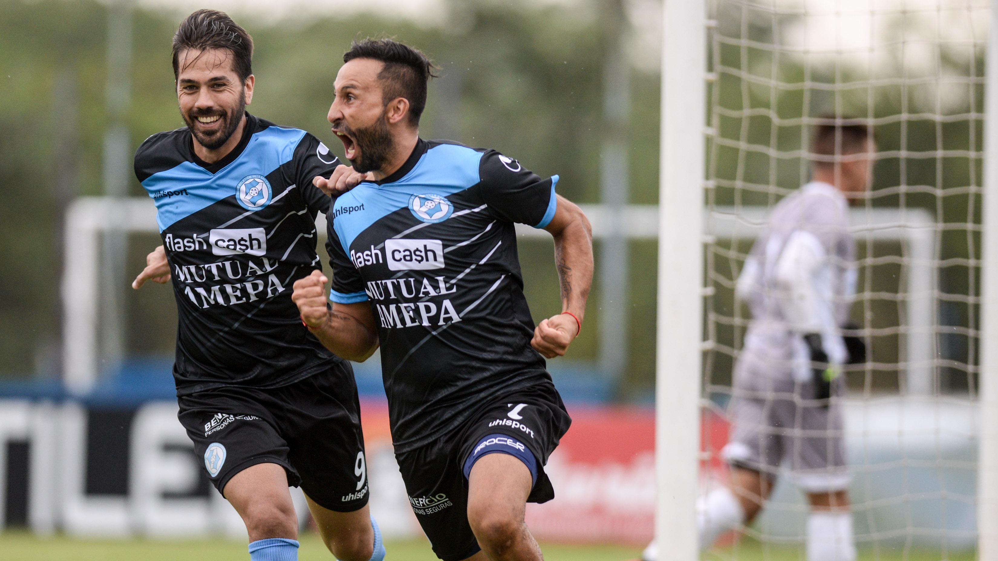 En su primera presentación oficial del año, Villa San Carlos derrotó 2 a 0 a Sportivo Barracas en la cancha de Sportivo Italiano.