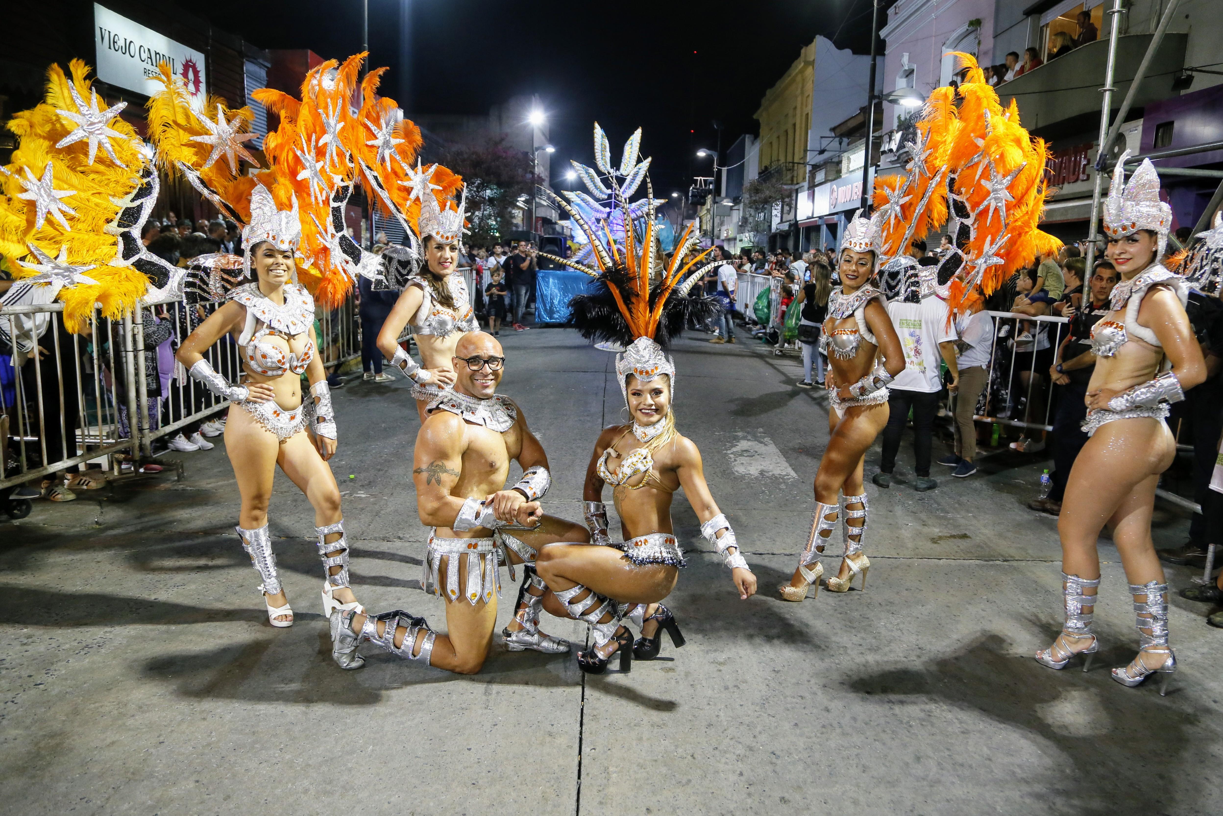 El carnaval de Ensenada: Primera noche de la gran fiesta popular