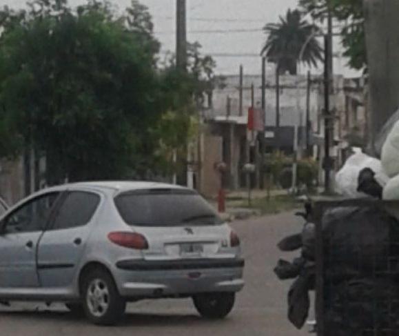Una colisión entre dos automóviles provocó que dos personas debieran ser derivadas al Hospital local, con politraumatismos varios