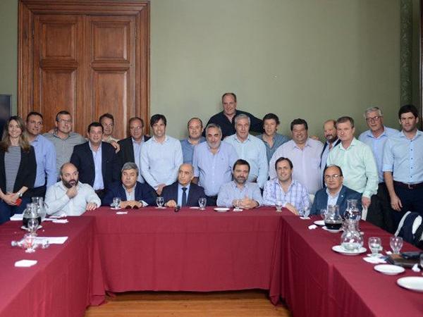 Nedela participó junto a otros intendentes de una reunión con el vicegobernador Salvador