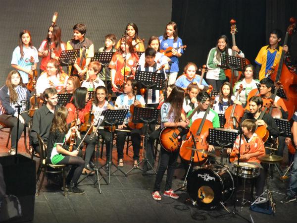 La Orquesta Escuela de Berisso presentará un concierto el próximo sábado 31 de agosto, a las 19 horas, en el Anexo del Senado (7 y 49) de La Plata.