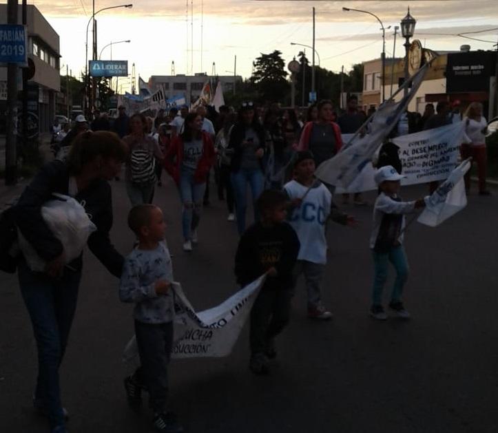 Este jueves los trabajadores de Copetro de Berisso realizaron una movilización planteando la situación laboral del personal de dicha empresa.