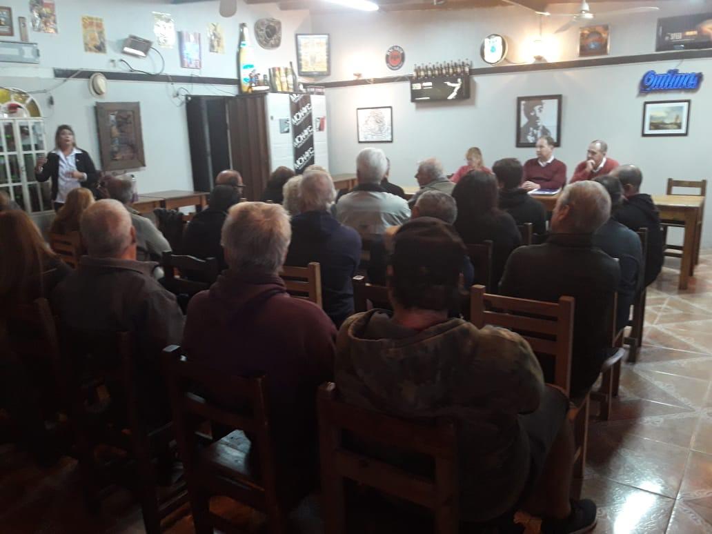 Este miércoles se llevó a cabo la reunión correspondiente al armado del segundo Foro de Seguridad, de la cual participaron autoridades del área de Gobierno encabezada por el secretario comunal Claudio Topich y el subsecretario de Seguridad Hugo Dagorret.