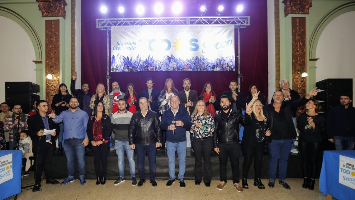 Con el apoyo de más de 60 agrupaciones e instituciones de la ciudad, el intendente de Ensenada, Mario Secco, presentó a los candidatos de cara a las elecciones que se aproximan.