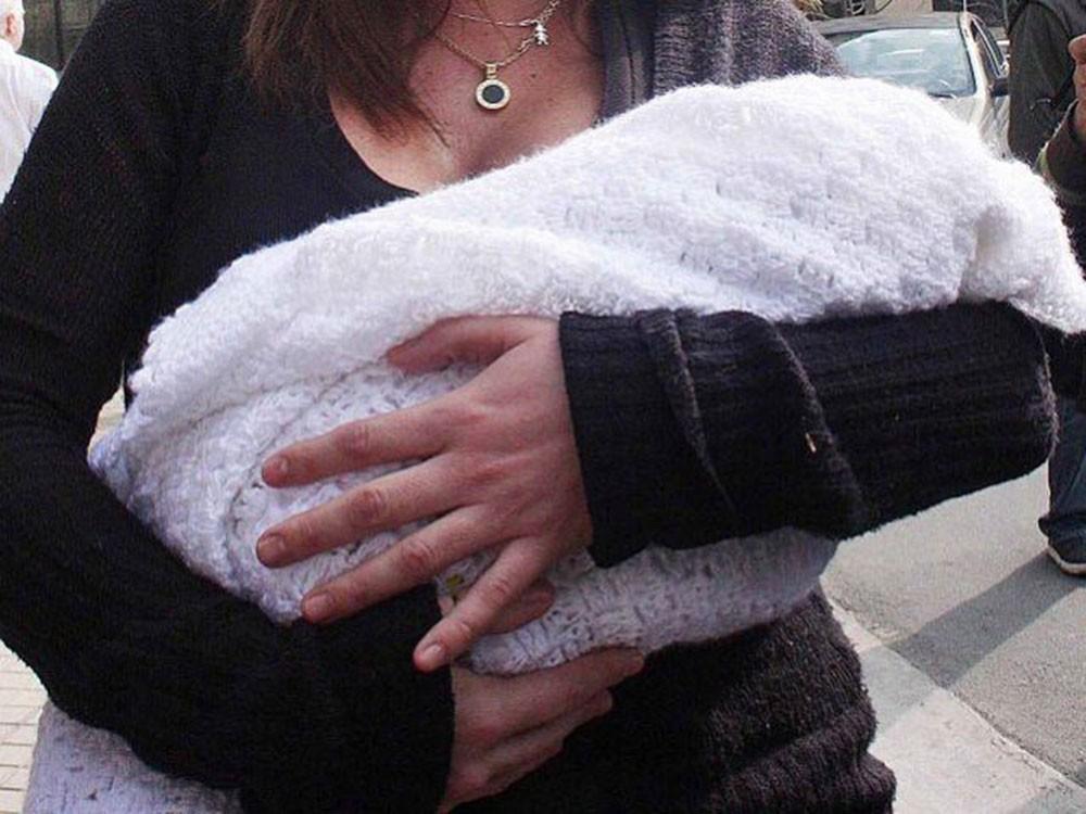 Este miércoles una mujer oriunda de nuestra ciudad denunció a través de las redes sociales que le quisieron robar el bebé de 8 meses en plena vía pública a su cuñada, hecho que generó estupor generalizado.