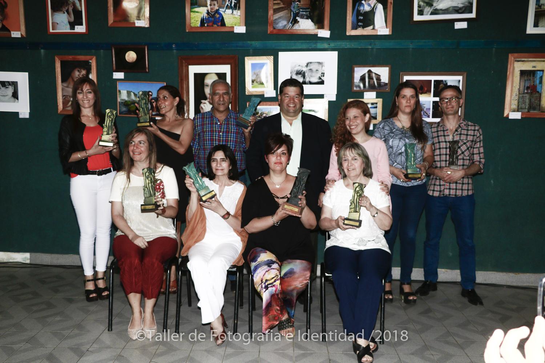El intendente Jorge Nedela y la directora de Cultura Nadia Jerbes, encabezaron el pasado viernes en el salón auditorio Raúl Iriarte de Casa de Cultura, la VIII Entrega de los premios Daniel Román a personalidades destacadas del quehacer cultural local.