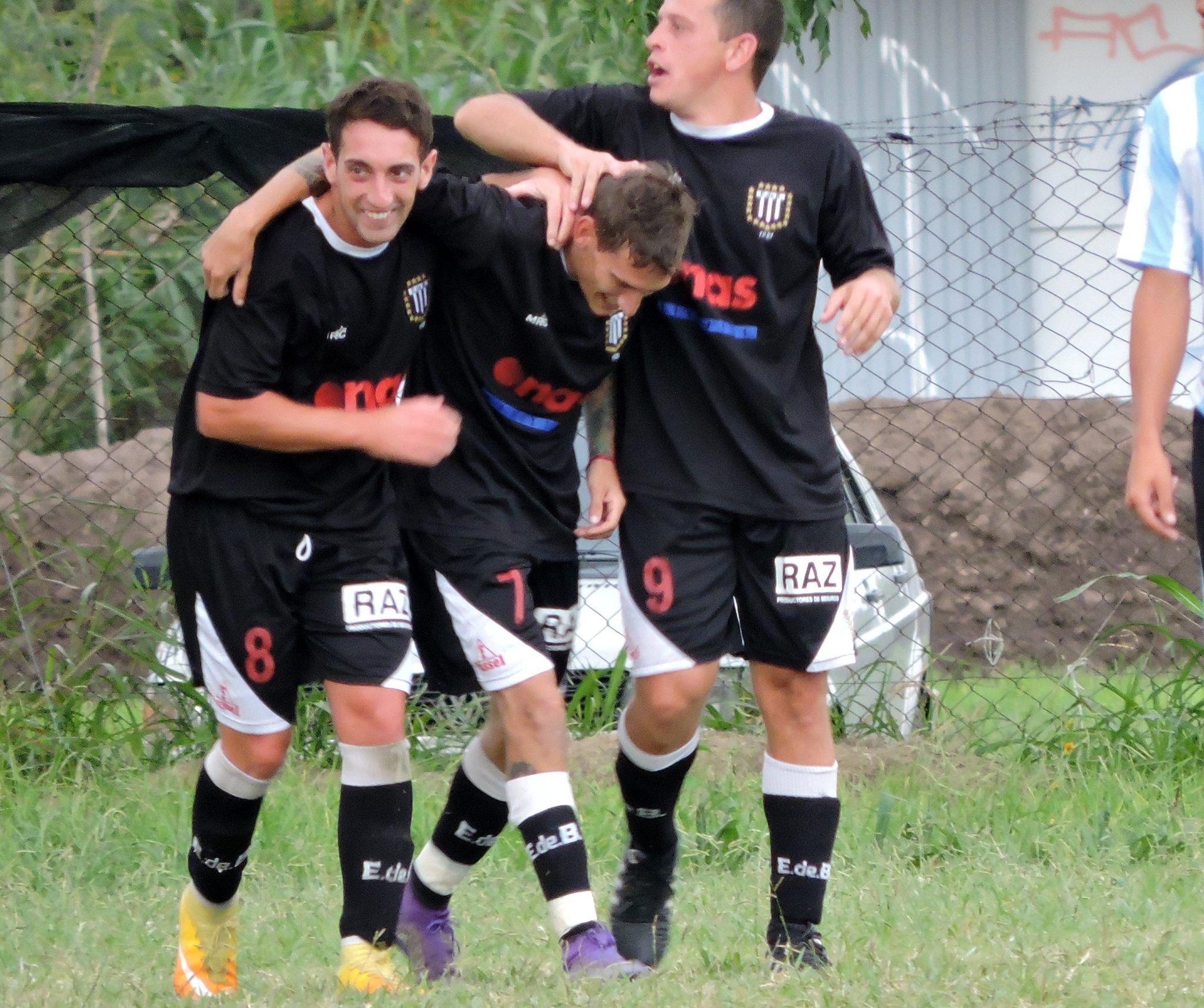Se jugó la primera fecha del Apertura liguista 2017 donde el equipo albinegro se dio el gusto de volver al buen fútbol con un rotundo triunfo para comenzar el torneo con el pie derecho.