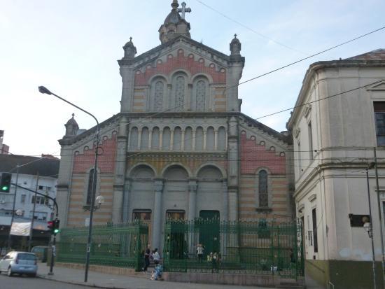 La Orquesta Sinfónica Municipal de Berisso ofrecerá su último concierto el lunes 11 a las 20 horas en la Basílica Sagrado Corazón, sita en 9 y diagonal 73 de La Plata, con entrada libre y gratuita.