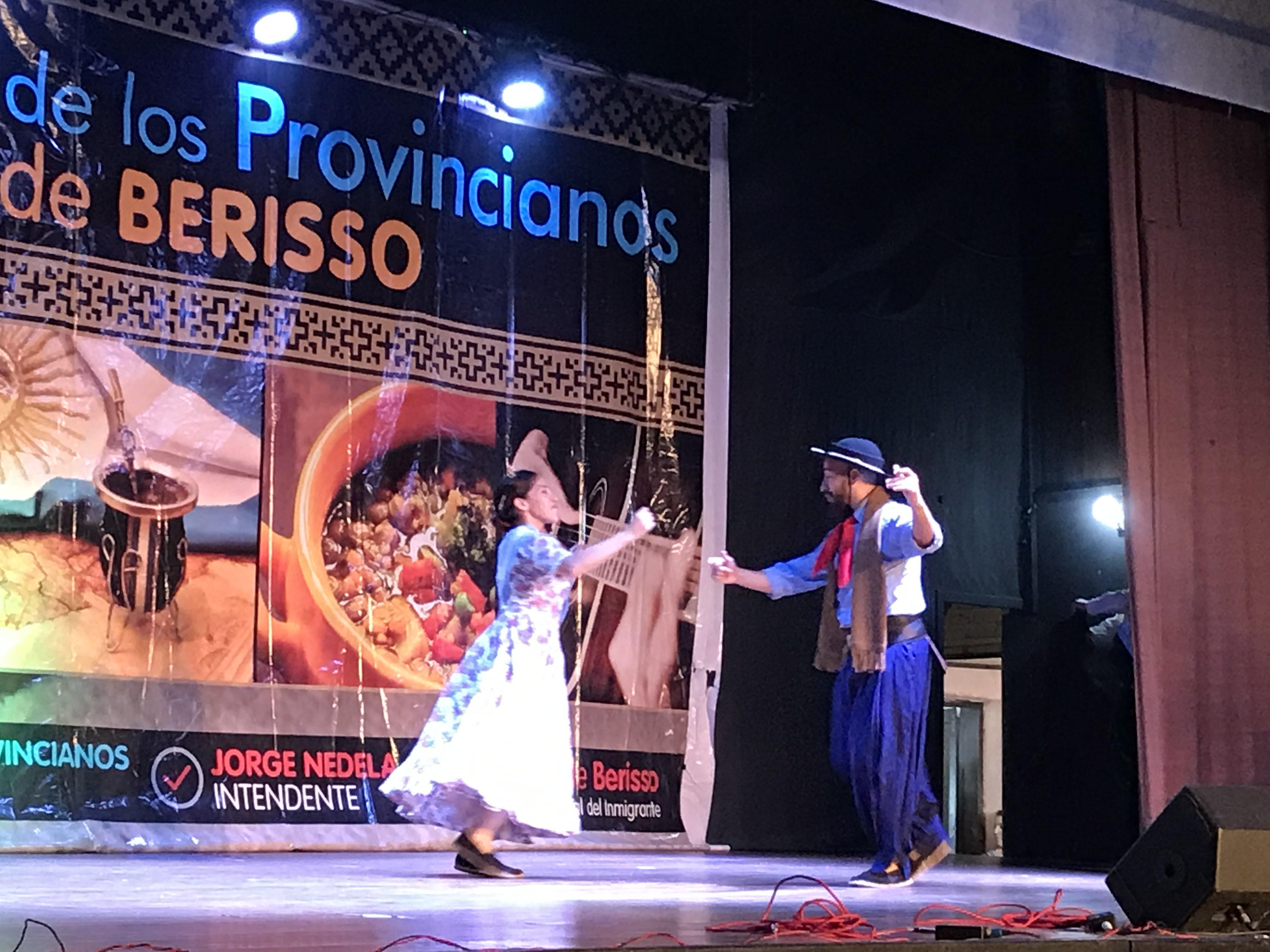 Comenzó la Fiesta del Provinciano: Números artísticos y representantes en escena