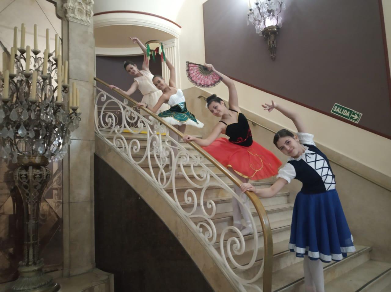 Ballet Juvenil Pirámide Dance: Desfile y shows para participar en las semifinales de Libraf 2019