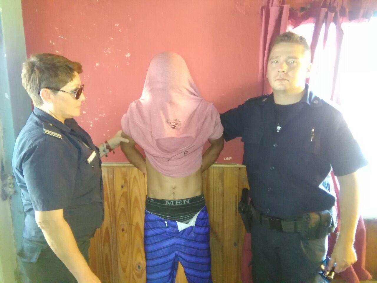 Personal de Comando Patrulla Berisso procedió este sábado a la aprehensión de un sujeto por robo.
