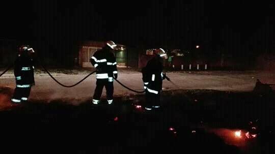 El cuerpo de Bomberos actuó en la mañana de este domingo por un principio de incendio en la planta alta de una vivienda en Montevideo y 17.