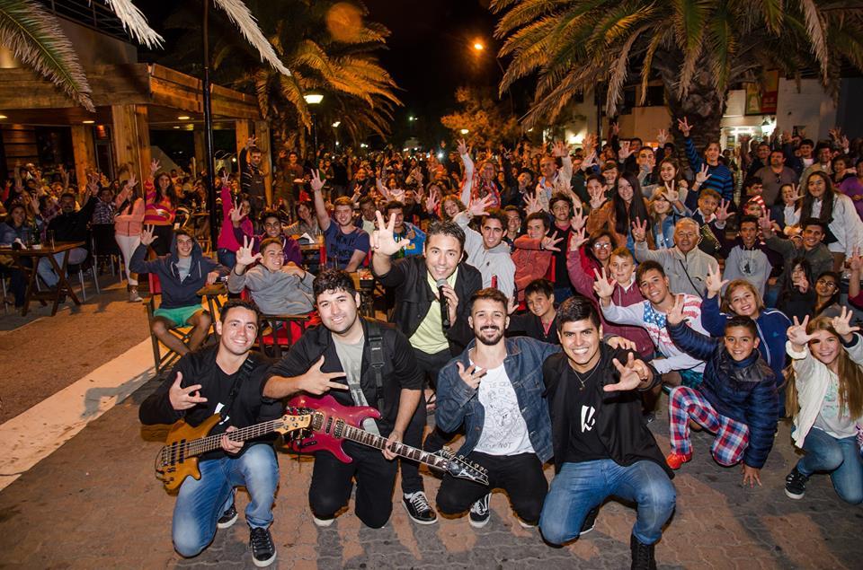 Tichá, banda oriunda de Berisso, se encuentra desde enero,  por séptima  temporada consecutiva, en la ciudad balnearia de Monte Hermoso.