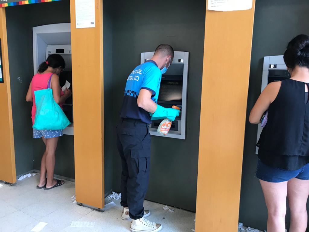 Operativos sanitarios en los cajeros automáticos