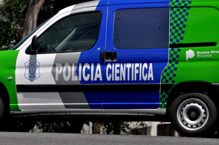 Personal policial fue informado sobre la existencia de dos personas fallecidas en un domicilio de calle 94 entre 124 y 125.