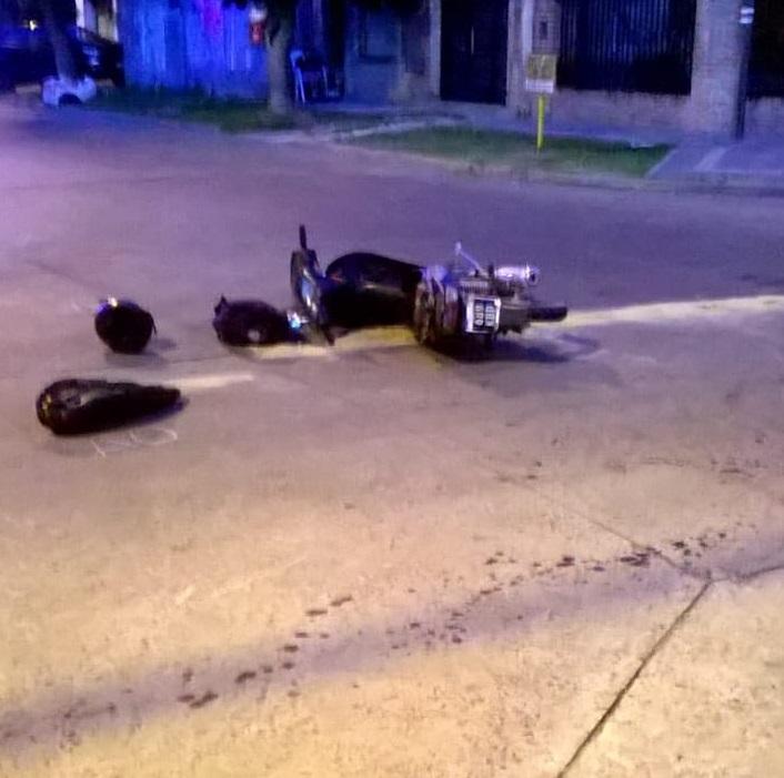 En la tarde de este viernes pasadas las 17 horas se produjo un accidente de tránsito en la esquina de calle 13 y 159 de la ciudad de Berisso.