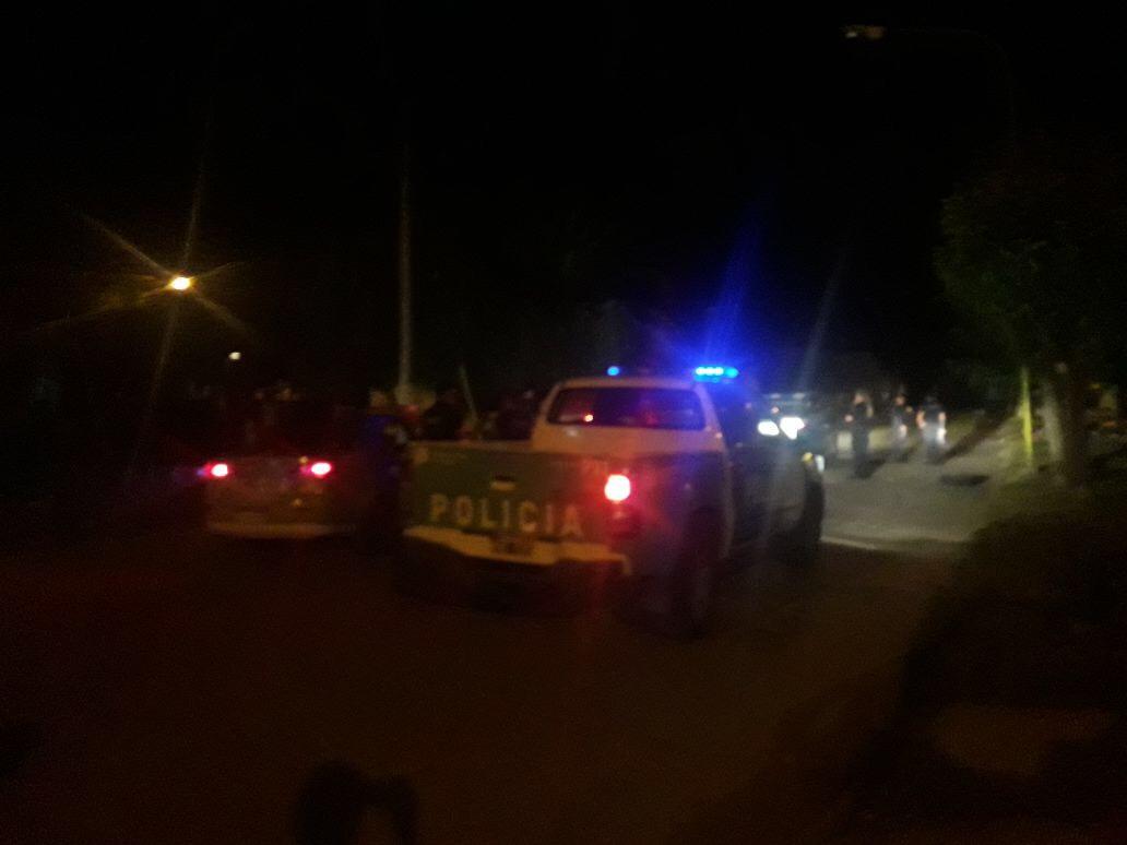 Cerca de las 3 de la mañana de este sábado se produjo un fuerte enfrentamiento entre bandas del mismo barrio.