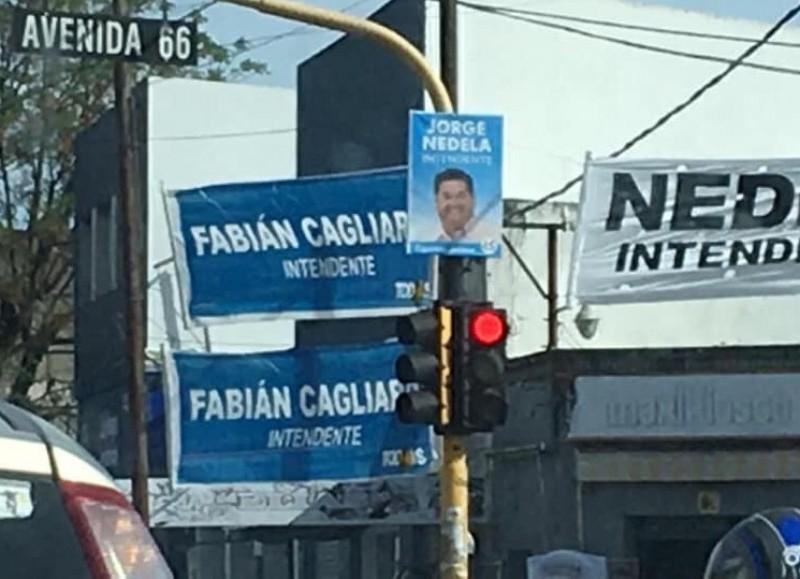 Calles tapizadas de propaganda política.