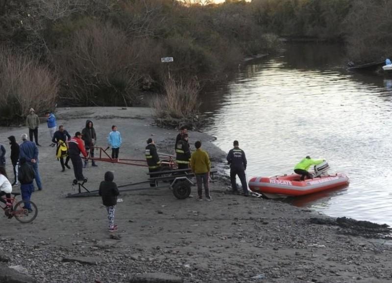 En esta jornada se sumaron helicópteros y aviones para intentar localizar a Amadeo Martínez, de 38 años, y Franco Soria, de 17.