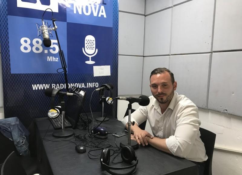 Ezequiel Giuffrida, en el aire de BerissoCiudad en Radio.
