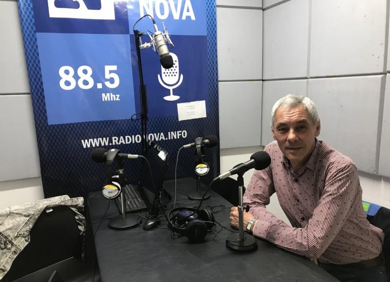 Fabián Cagliardi, en el aire de BerissoCiudad en Radio.