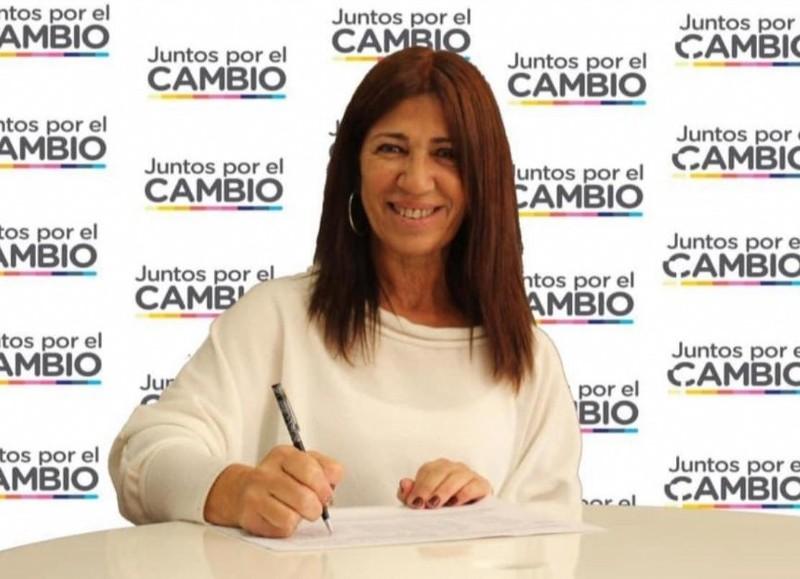 """La concejal Fernanda Iveli comentó que """"los comerciantes de nuestra ciudad, como en toda la Argentina, no soportan un día más de medidas de aislamiento social sin que desde el Estado se les dé una ayuda concreta""""."""