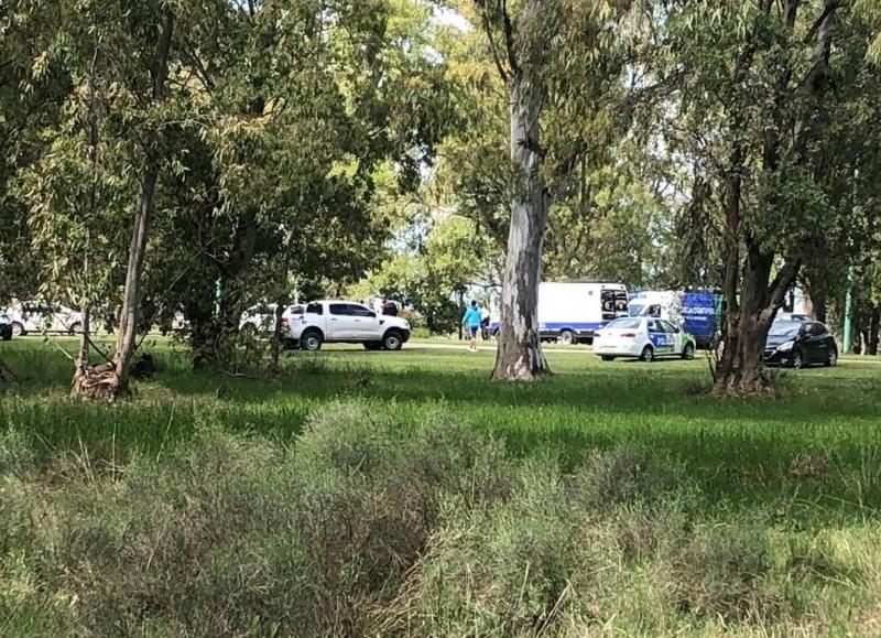 Un cabo de la Policía Federal de 40 años fue asaltado por dos motochorros y mató a uno de ellos, de 16 años.